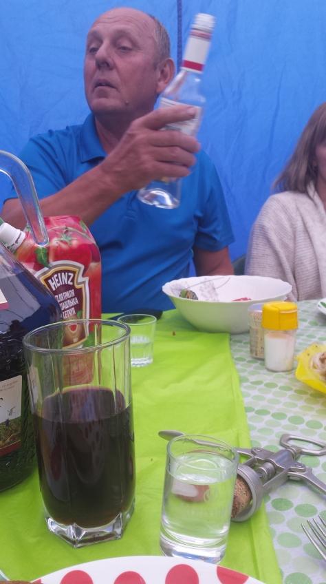 Un señor con el que compartimos un cumpleaños y varios shots de vodka.