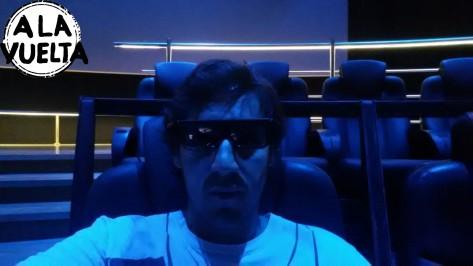 En un cine 3D, adentro de un museo...