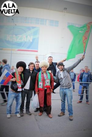 Con la barra brava del Rubin Kazan