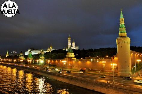 El Kremlin desde el Río Moscú.