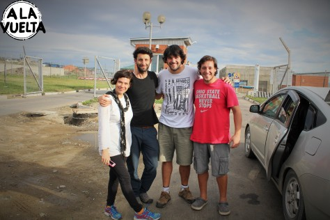 Este es el equipo que cruzó la frontera Rusia-Mongolia. Dos uruguayos y dos argentinos geniales.