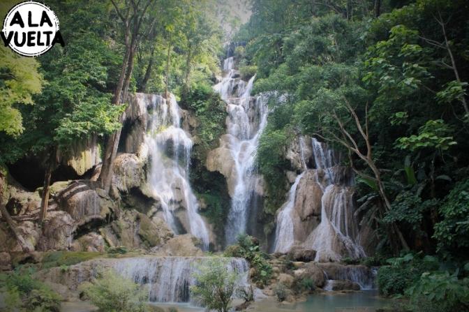 Un día de cascadas y caminatas en Laos